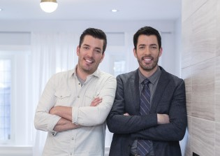 This image has an empty alt attribute; its file name is the-property-brothers-2-2.jpg